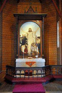 Orkanger kirke alter 2